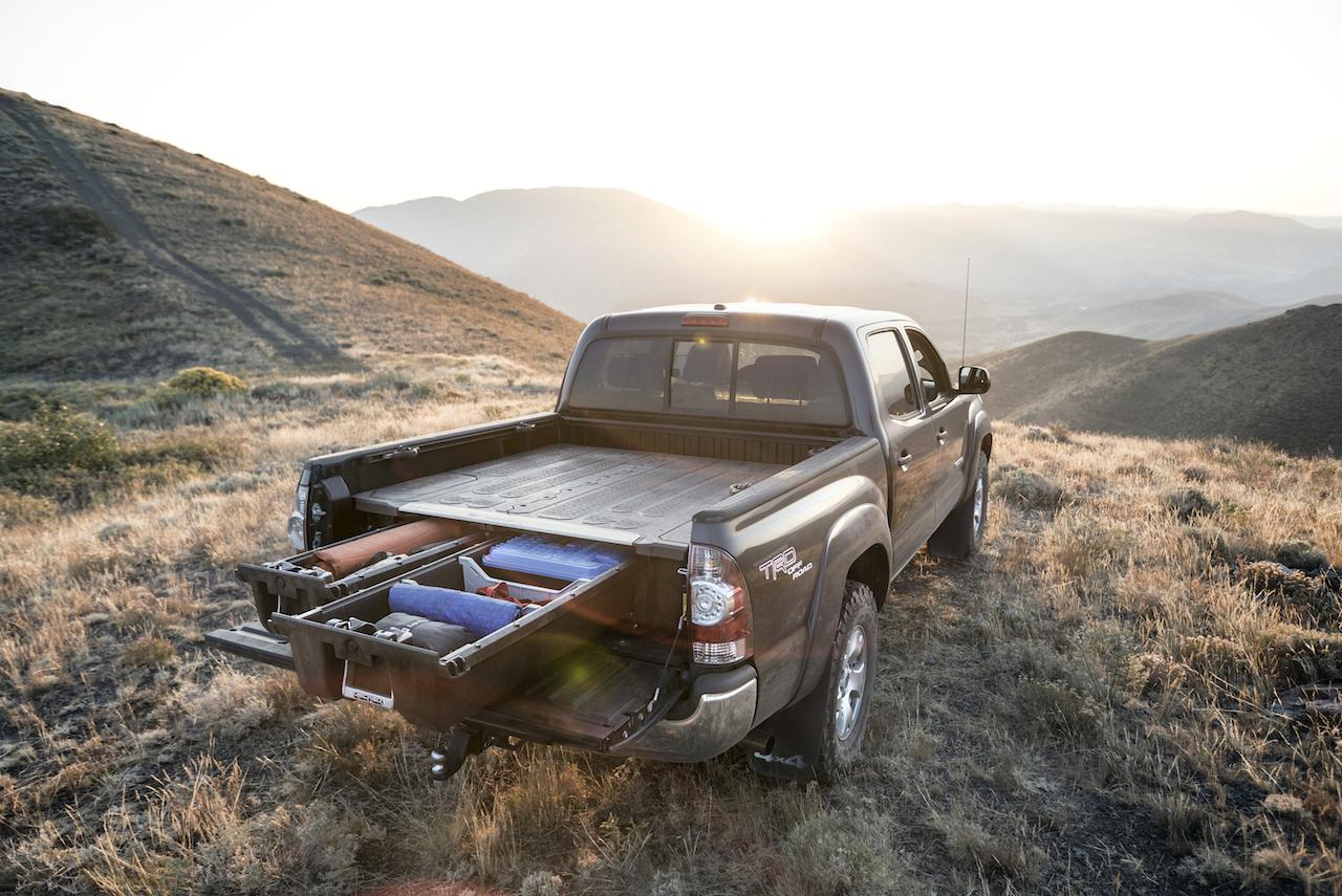 decked debuts system for midsize pickups atv illustrated. Black Bedroom Furniture Sets. Home Design Ideas