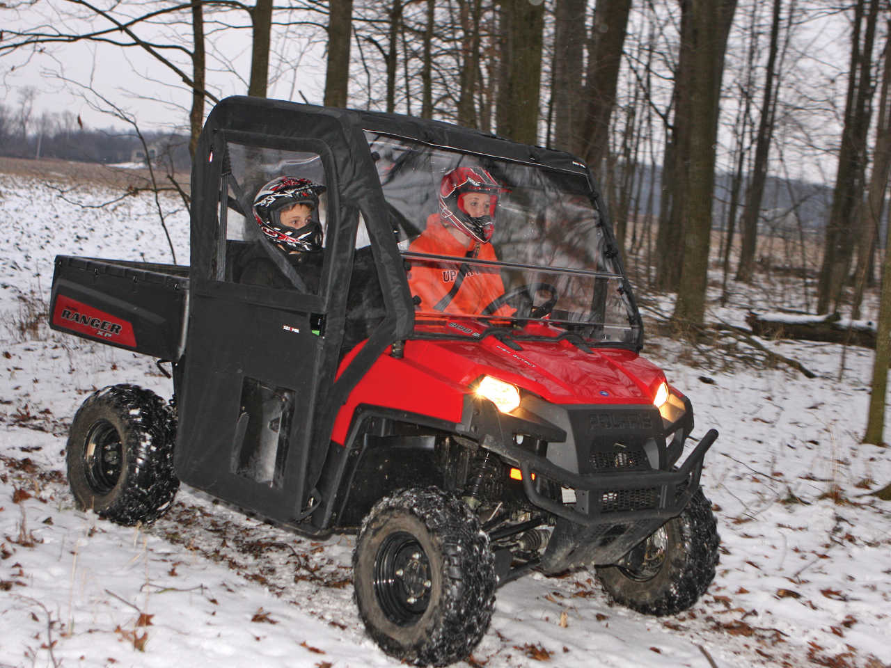 vendor.2013.seizmik.polaris-ranger-cab.riding.on-path.jpg